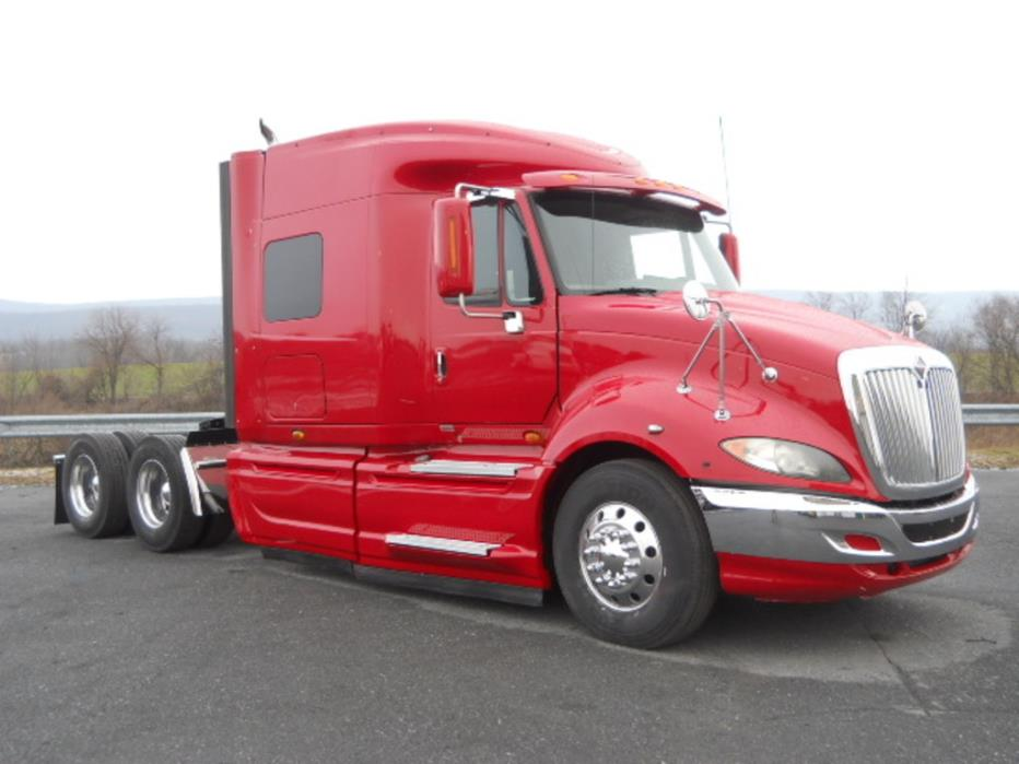 2009 International Prostar  Conventional - Sleeper Truck