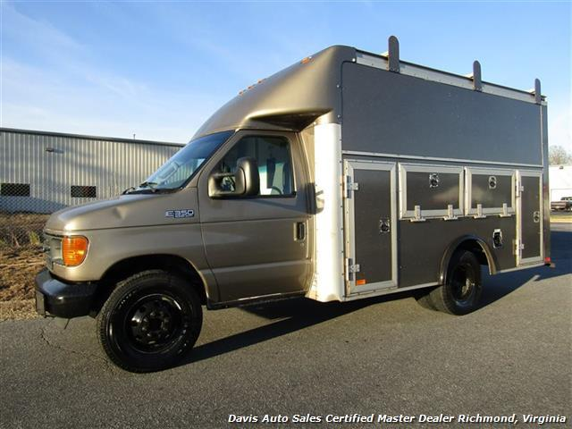 2005 Ford E-350 Super Duty Xl  Cargo Van