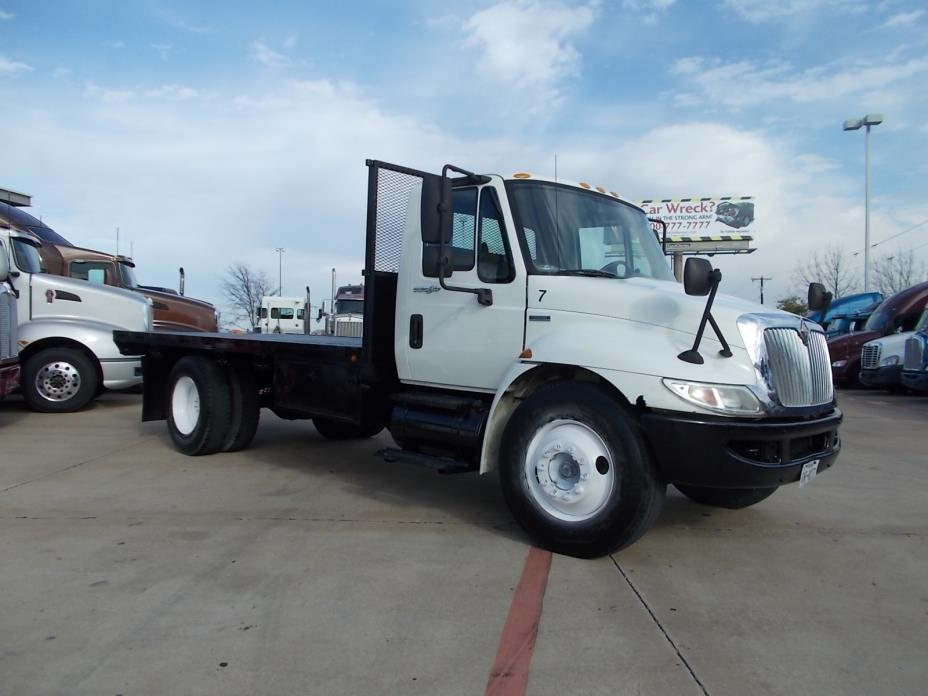 2008 Navistar 4300  Flatbed Truck