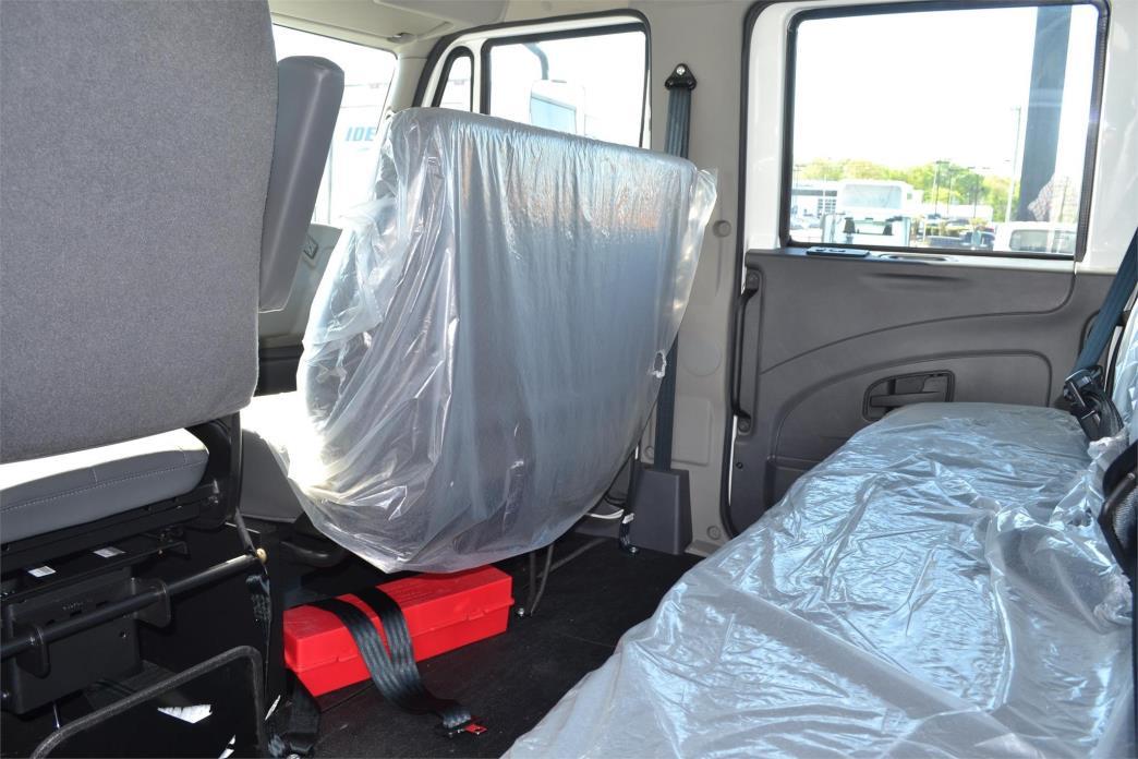2016 International Durastar 4300 Cab Chassis, 3