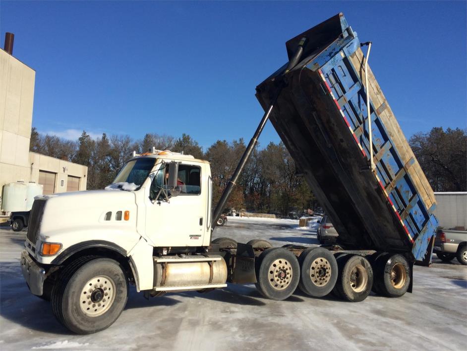 2003 Sterling Lt9513 Dump Truck, 4