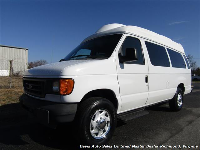 2003 Ford E-350 Super Duty Xl  Cargo Van