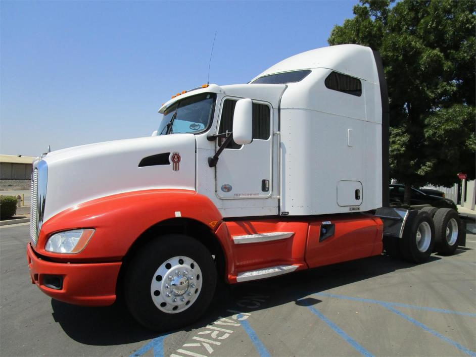 2012 Kenworth T660  Conventional - Sleeper Truck