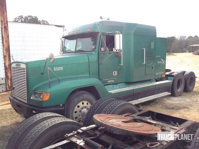 1997 Freightliner Fld120 Conventional - Sleeper Truck