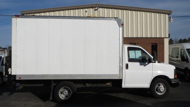 2012 Chevrolet Express 3500 Box Truck - Straight Truck