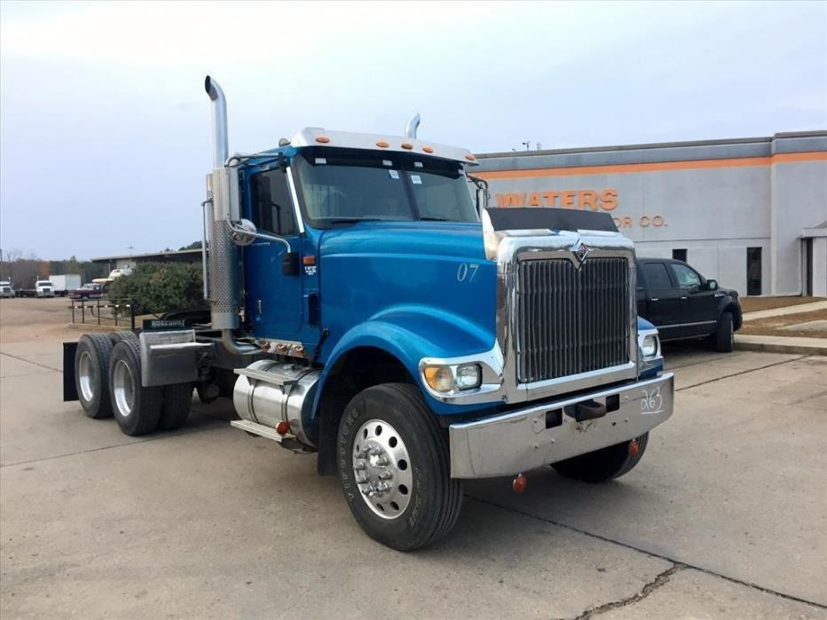 2007 International 5900i Conventional - Day Cab