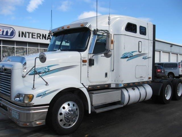 2006 International 9400i Conventional - Sleeper Truck