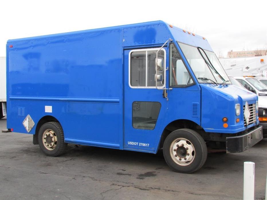 2006 Freightliner Mt45  Dry Van