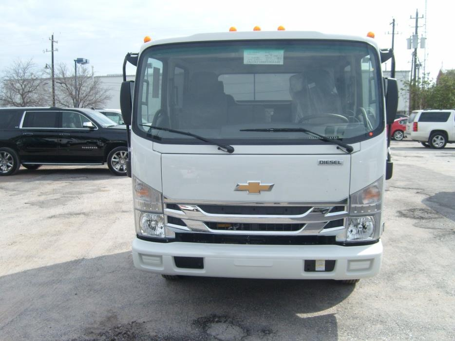 2017 Chevrolet Low Cab Forward 3500 Cab Chassis