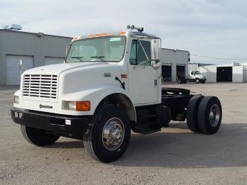 2001 International 4900  Tractor