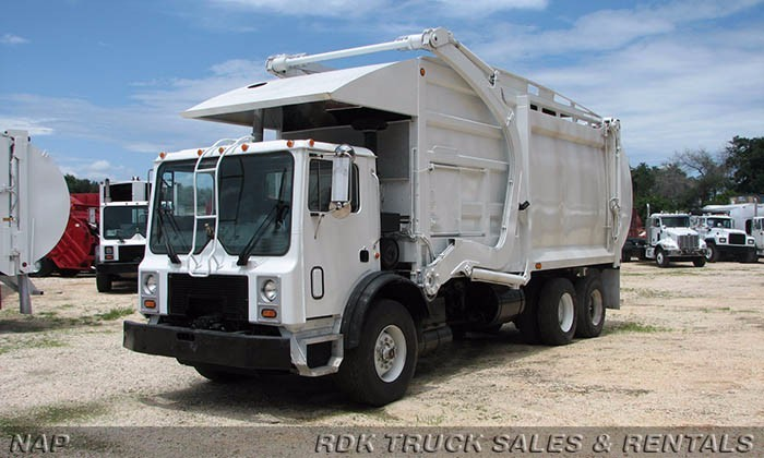 2008 Mack Mr688s  Garbage Truck
