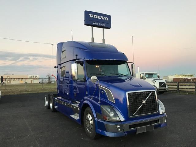 2009 Volvo Vnl  Conventional - Sleeper Truck