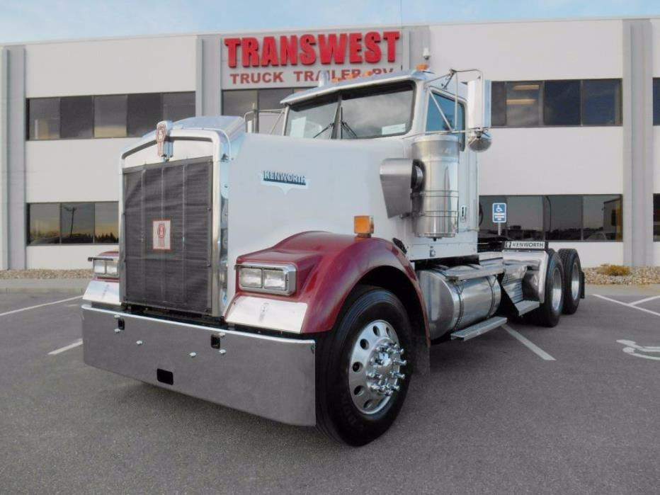 2007 Kenworth W900  Conventional - Day Cab