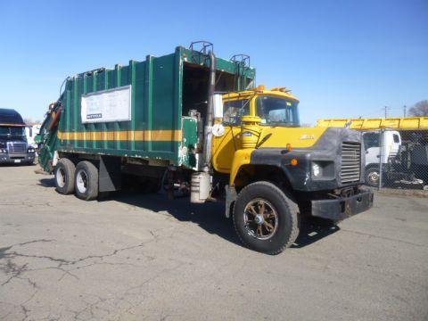1994 Mack Dm 690sx  Garbage Truck