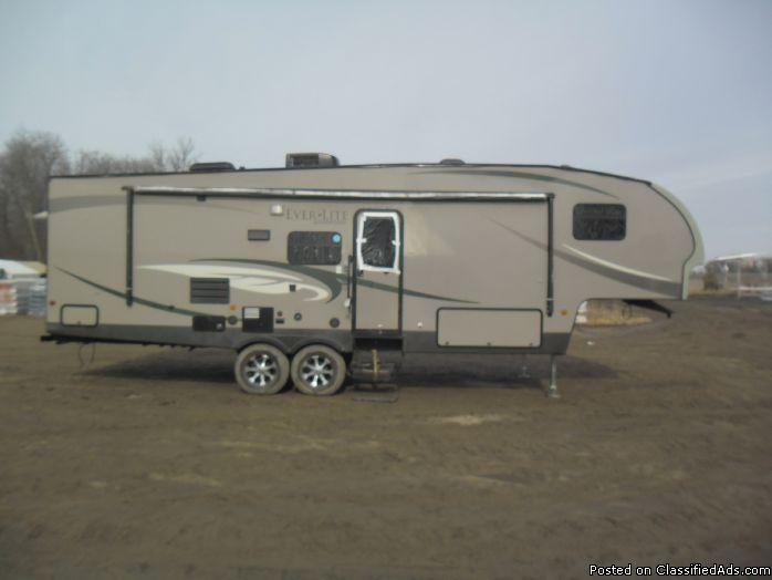 2011 Evergreen Ever Lite 31BHS 5th wheel Trailer 6156