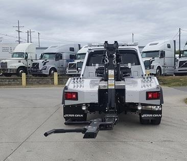 2016 Ford F550 Lariat Conventional - Sleeper Truck, 6