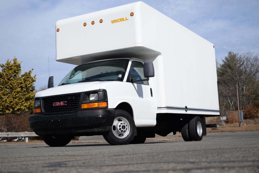 2008 Gmc Savana Cutaway Box Truck - Straight Truck