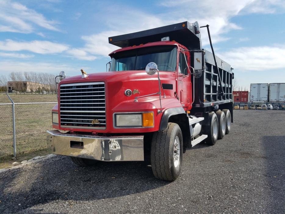 2000 Mack Cl713 Dump Truck, 0