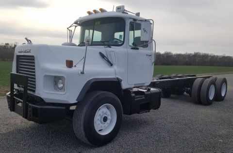2001 Mack Dm690s Cab Chassis