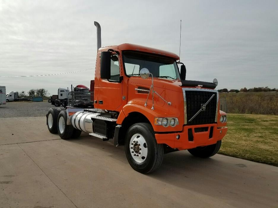 2014 Volvo Vhd104f Conventional - Day Cab