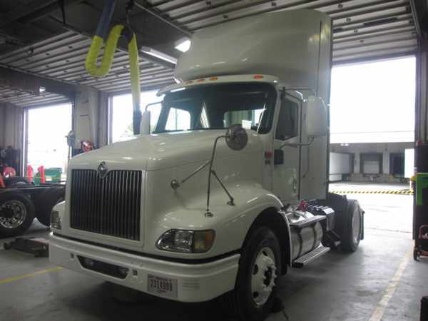 2007 International 9200 Conventional - Day Cab, 1