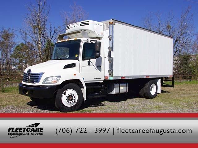2009 Hino 268a  Box Truck - Straight Truck