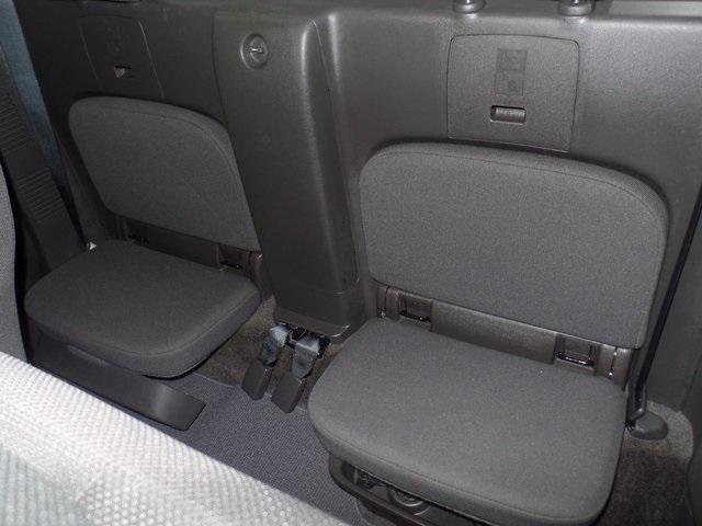 2015 Nissan Frontier Pickup Truck, 8