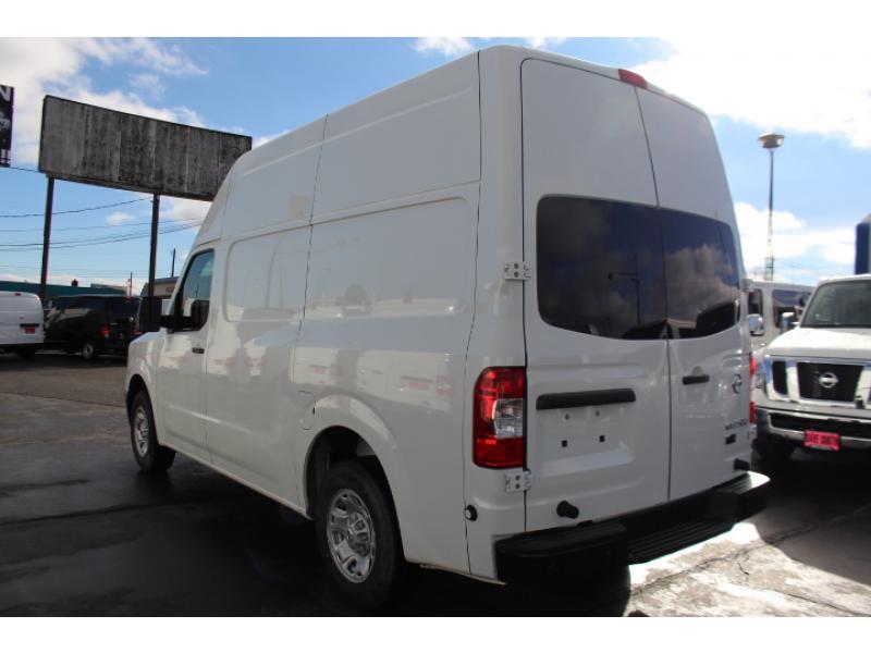 2017 Nissan Nv2500hd Cargo Van, 3