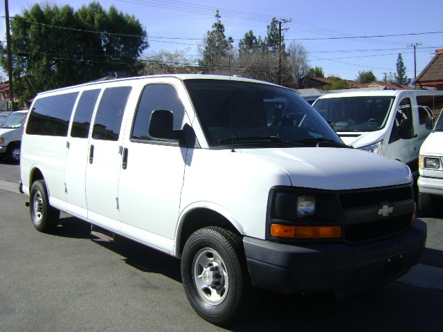 2007 Chevrolet Express Bus