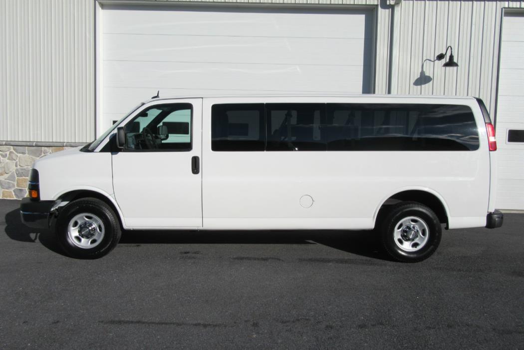 2011 Chevrolet Express G3500 Cargo Van, 4