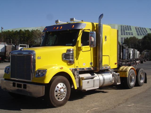 2011 Freightliner Coronado Conventional - Sleeper Truck