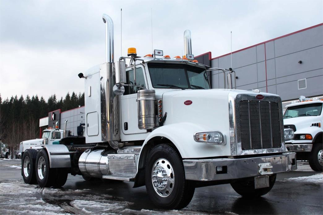 2014 Peterbilt 367  Conventional - Sleeper Truck