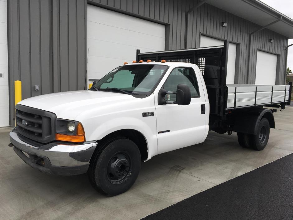 2000 Ford F-350  Dump Truck