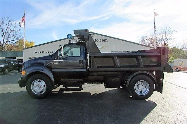 2004 Ford F650  Dump Truck