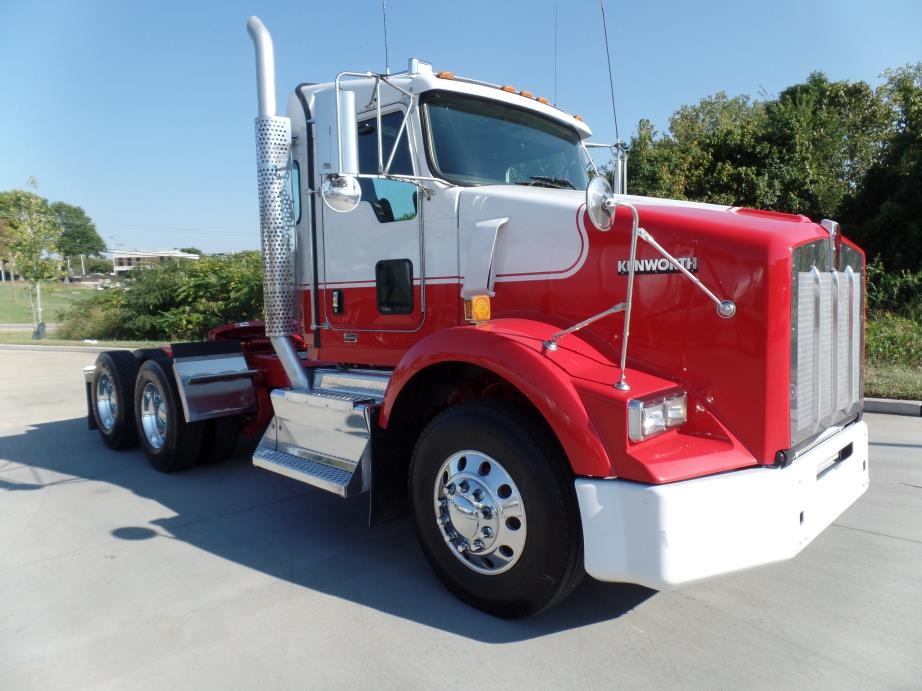 2015 Kenworth T800  Conventional - Sleeper Truck