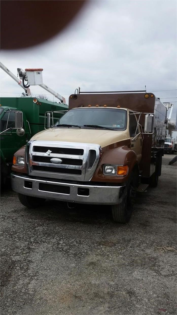 2008 Ford F650 Chipper Truck