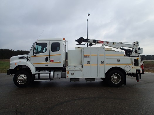 2010 Freightliner Business Class Imt Service Body And Crane  Crane Truck