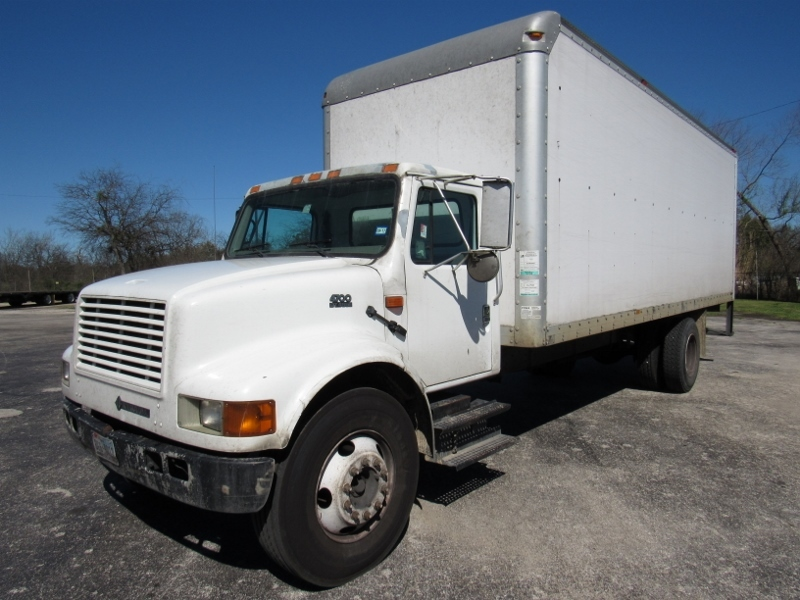 2001 International 4700  Box Truck - Straight Truck