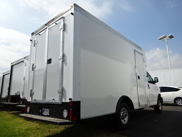 2016 Gmc Savana Cutaway Cutaway-Cube Van, 4