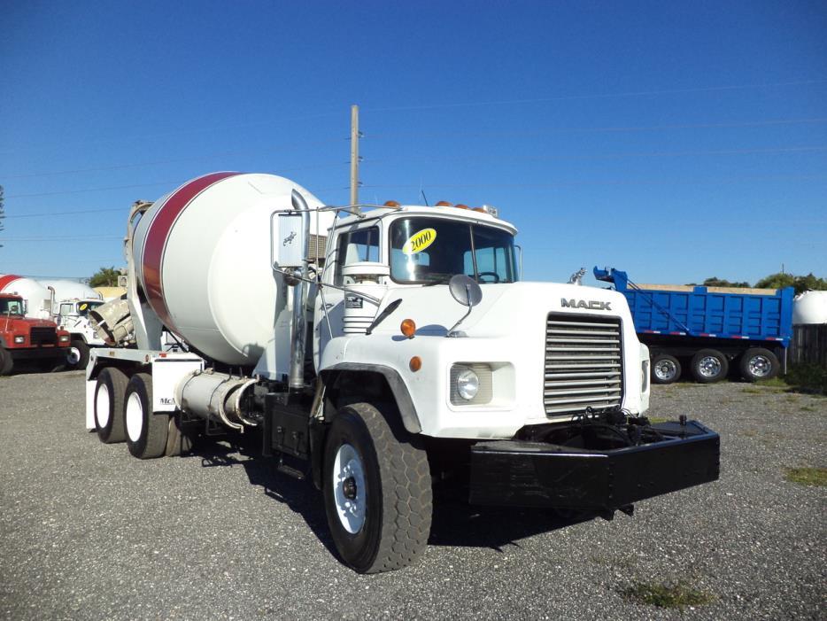 2000 Mack Dm688s Mixer Truck