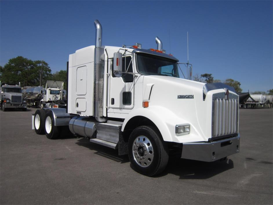 2009 Kenworth T800 Conventional - Sleeper Truck