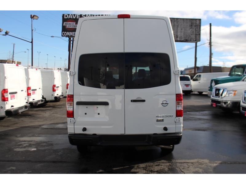 2017 Nissan Nv2500hd Cargo Van, 4
