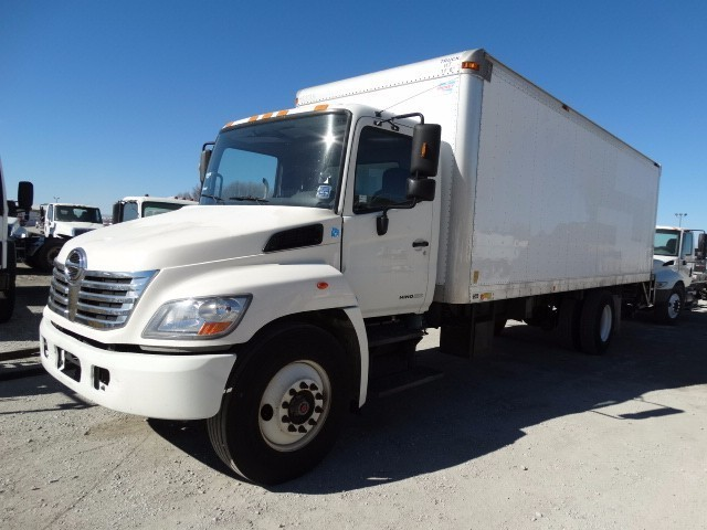 2009 Hino 338  Moving Van