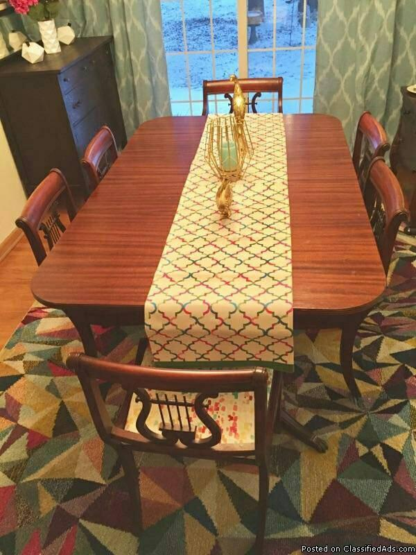 Duncan Phyffe dining table