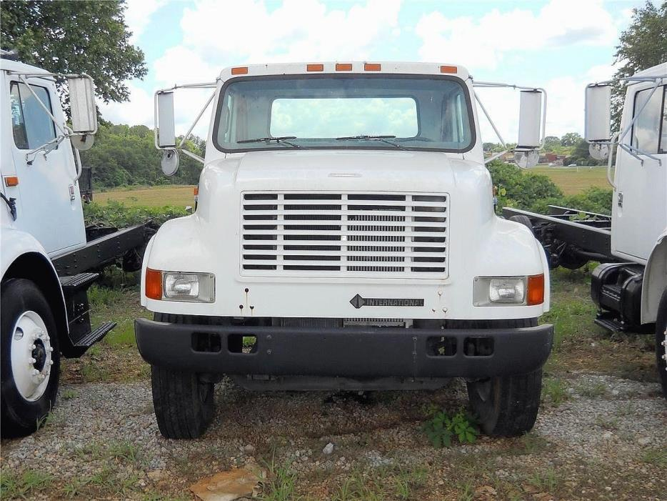 1998 International 4700 Cab Chassis, 2