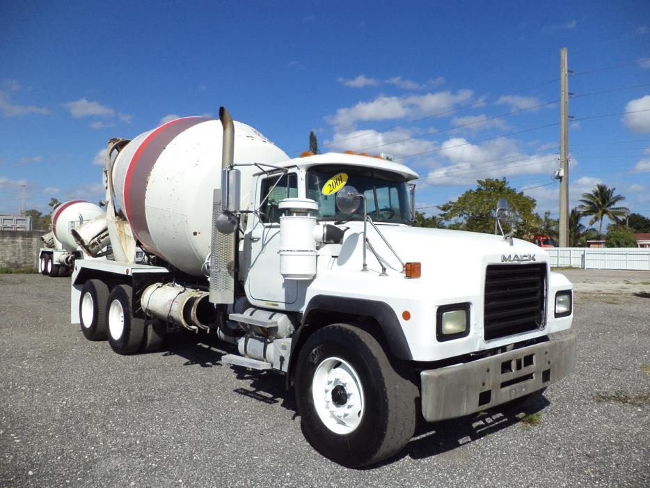 2001 Mack Rd688s  Mixer Truck