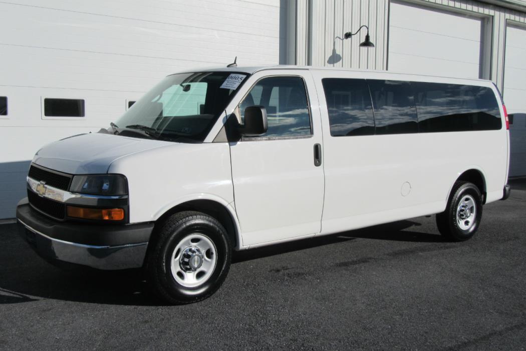 2011 Chevrolet Express G3500 Cargo Van, 3