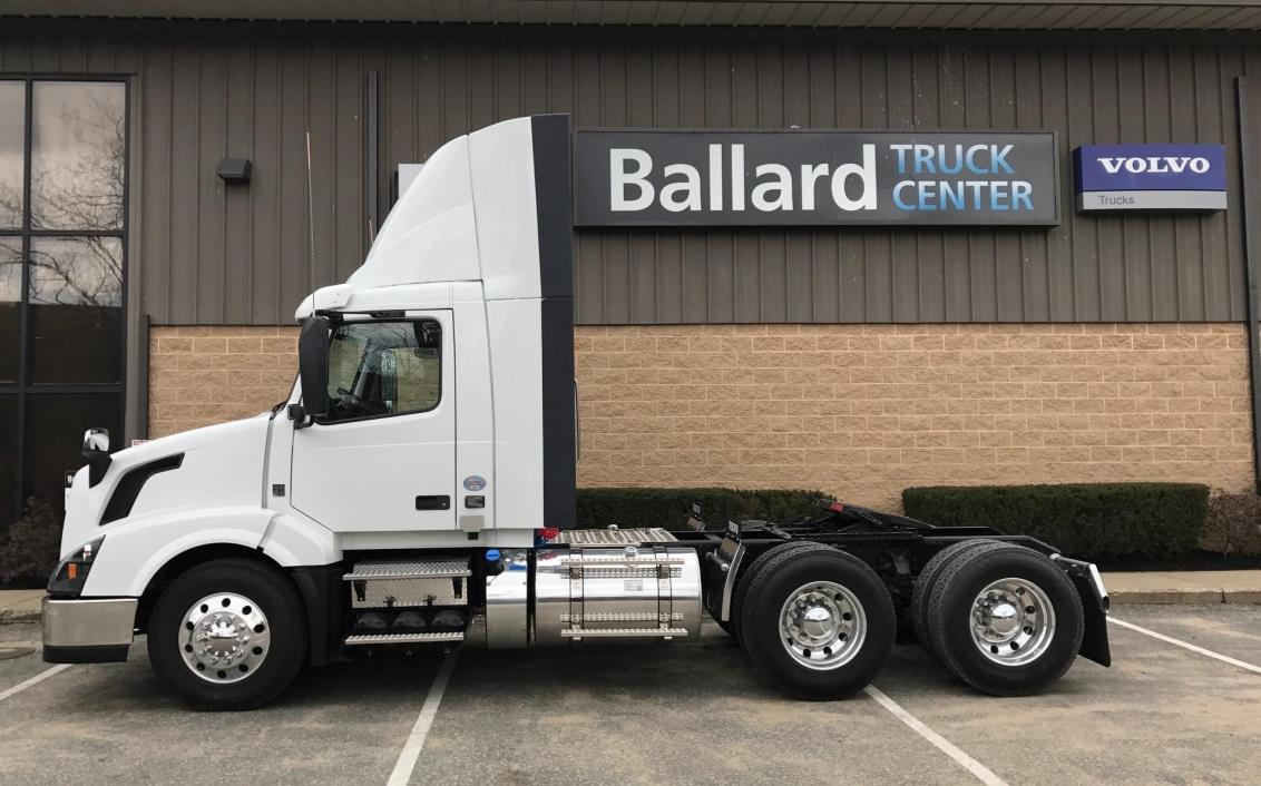 2017 Volvo Vnl64t300 Conventional - Day Cab