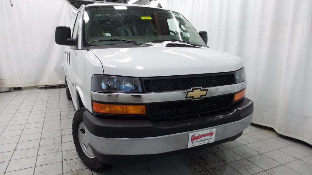 2017 Chevrolet Express 3500 Cargo Van, 1