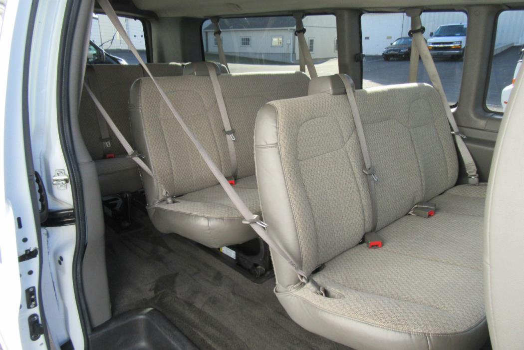 2011 Chevrolet Express G3500 Cargo Van, 8
